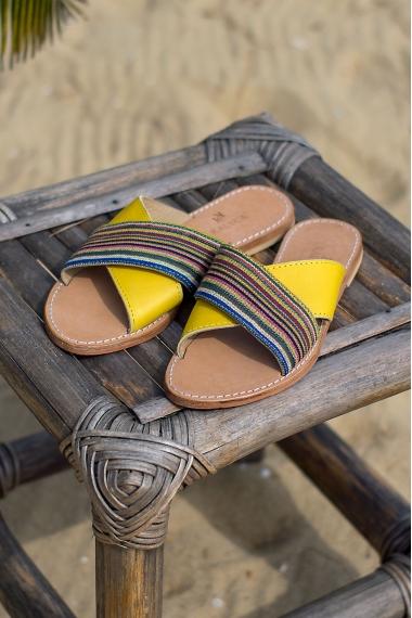 Sandales d'été jaune