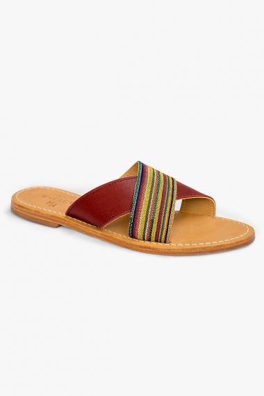 Sandales en cuir bordeaux